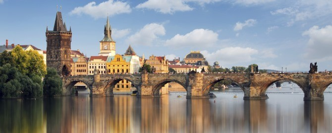 Charles Bridge, Prague, 670x270