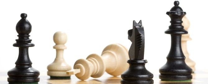Chess pieces 670x270